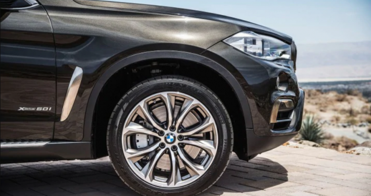How to handle flat tyres of your luxury car